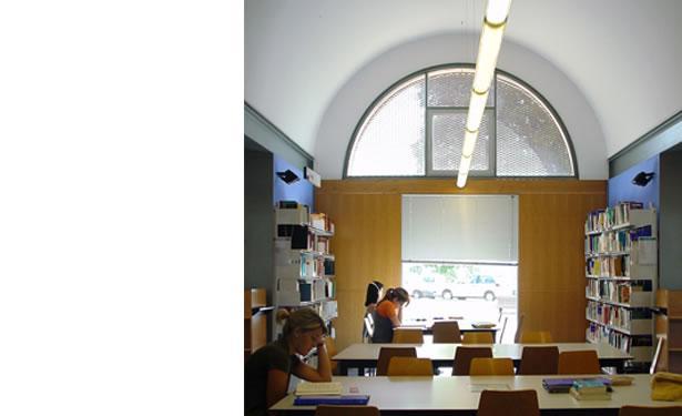 Arquitectura santi vives barcelona for Oficina habitatge girona